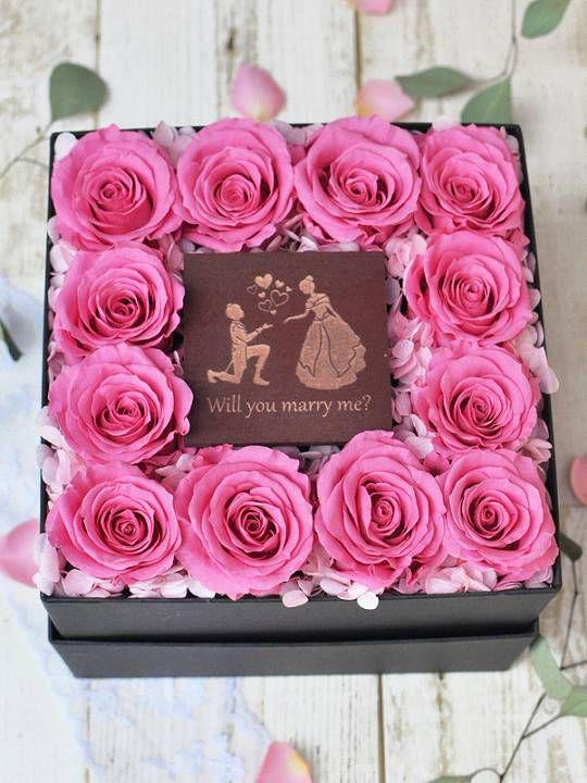 12輪のピンクバラのBOXフラワー