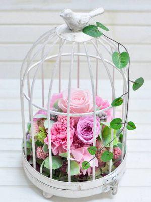 ピンクのバラの鳥かごアレンジプリザーブドフラワー