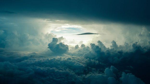 雲が広がった空