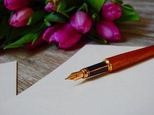 花と手貝と万年筆