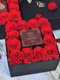 12輪のバラのプロポーズ用ボックスフラワー