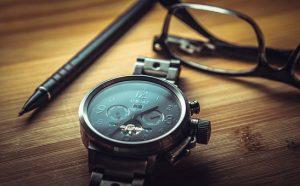 時計、メガネ、シャープペンシル