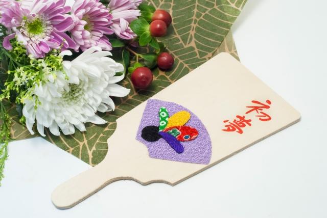 正月の羽子板とお花