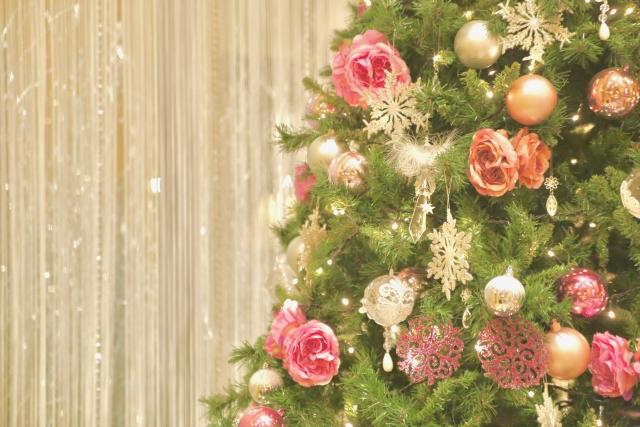 お花がついたクリスマスツリー
