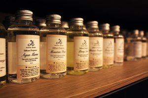 アロマオイルの小瓶