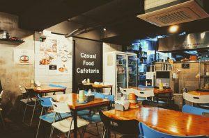 カジュアルなカフェレストランの画像
