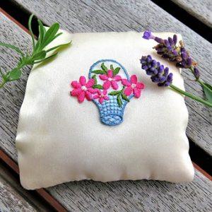 刺繍のハンカチ