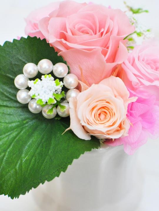 ピンクのお花と白のパールのお供え花