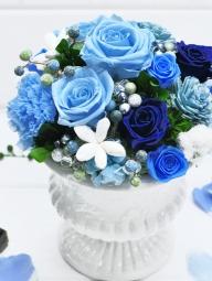 青いバラのプリザーブドフラワー