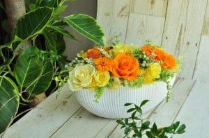 オレンジとイエローのバラの開店祝いプリザーブドフラワー